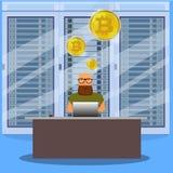 Uomo sul concetto online del bitcoin di estrazione mineraria del computer Azienda agricola di Bitcoin Moneta dorata con il simbol Fotografie Stock Libere da Diritti