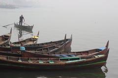 Uomo sulla barca tradizionale Immagini Stock Libere da Diritti