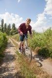 Uomo sulla bici Immagine Stock