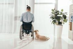Persona Invalida In Sedia A Rotelle Ed In Cane