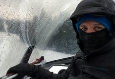Uomo sulla seggiovia dello sci Immagini Stock