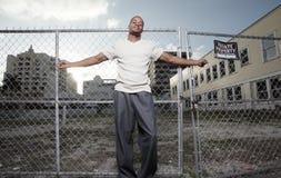 Uomo in un ambiente urbano Immagine Stock Libera da Diritti