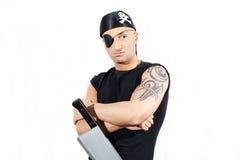 Uomo in un costume del pirata Fotografie Stock Libere da Diritti