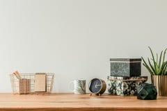 Uorganizowany stołowy wierzchołek zdjęcie stock