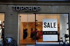 UOTP 50% OUTRE DE LA VENTE T TOPSHOP Images stock