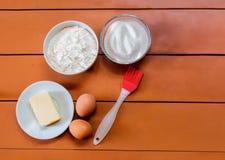 Uova, burro, zucchero e farina Immagini Stock Libere da Diritti