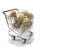 Uova in carrello Fotografia Stock Libera da Diritti