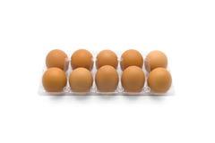 Uova in chiaro vassoio di plastica fotografia stock libera da diritti
