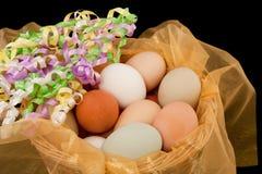 Uova con i nastri fotografia stock