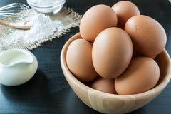 Uova con il lievito per il dessert Fotografia Stock Libera da Diritti