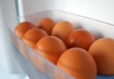 Uova del pollo in frigorifero fotografie stock