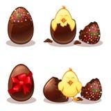 Uova di cioccolato di Pasqua e chik Fotografia Stock Libera da Diritti
