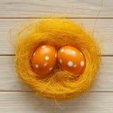 Uova di Pasqua arancioni Immagini Stock Libere da Diritti