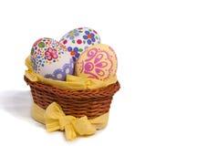 Uova di Pasqua In cestino Immagine Stock Libera da Diritti