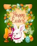 Uova di Pasqua con la carta del coniglio sul rotolo di carta Fotografia Stock