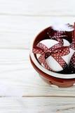 Uova di Pasqua del cioccolato in una ciotola Fotografia Stock Libera da Diritti