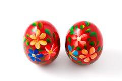 Uova di Pasqua Dipinte a mano, percorso di residuo della potatura meccanica Immagine Stock