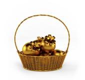 Uova di Pasqua dorate isolate su bianco 3d rendono Immagine Stock Libera da Diritti