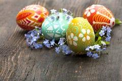 Uova di Pasqua e fiore Fotografie Stock