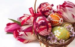 Uova di Pasqua e fiore Fotografia Stock Libera da Diritti