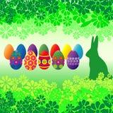 Uova di Pasqua e fiori Fotografia Stock