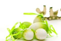 Uova di Pasqua e pollo immagine stock