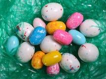 Uova di Pasqua In erba Immagini Stock