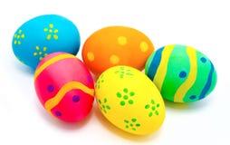 Uova di Pasqua fatte a mano variopinte isolate Immagini Stock Libere da Diritti