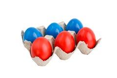 Uova di Pasqua in scatola isolata sopra bianco Fotografie Stock Libere da Diritti