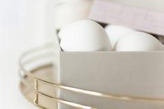 Uova di Pasqua in scatola pallida Fotografia Stock Libera da Diritti