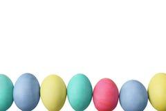 Uova di Pasqua sopra fondo bianco Fotografia Stock
