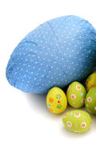 Uova di Pasqua Spostate del cioccolato dall'angolo Immagini Stock Libere da Diritti
