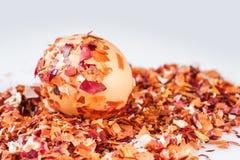 Uova di Pasqua, tecnica speciale con la buccia della cipolla Fotografie Stock