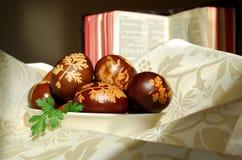 Uova di Pasqua Tradizionalmente verniciate Immagine Stock
