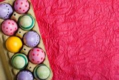 Uova di Pasqua In una casella Immagini Stock Libere da Diritti