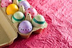 Uova di Pasqua In una casella Fotografia Stock Libera da Diritti