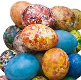 Uova di Pasqua Verniciate a mano, isolate e con il percorso di residuo della potatura meccanica Fotografie Stock