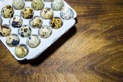Uova di quaglia dall'azienda agricola domestica Prodotto ecologico Immagine Stock Libera da Diritti