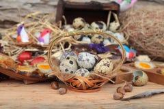 Uova di quaglia ed uova di quaglia fritte di delizioso Immagini Stock Libere da Diritti