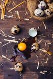 Uova di quaglie sulla tavola di legno Immagini Stock Libere da Diritti