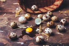Uova di quaglie sulla tavola di legno Immagine Stock Libera da Diritti