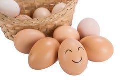 Uova divertenti di sorriso di pasqua di concetto di salute mentale Fotografia Stock