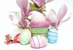 Uova e fiori di EEaster Immagine Stock