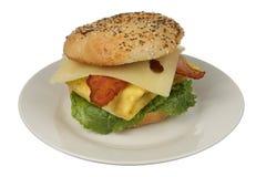 Uova e prima colazione del bagel del bacon Immagini Stock Libere da Diritti