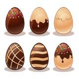 Uova felici di cioccolata bianca e Pasqua-ferrose Immagini Stock Libere da Diritti