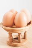 Uova fresche alte chiuse del pollo Immagini Stock