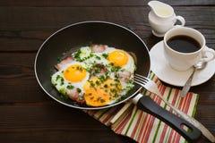 Uova fritte con pancetta affumicata Fotografia Stock Libera da Diritti