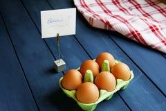 Uova organiche fresche per la prima colazione immagini stock libere da diritti