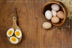 Uova organiche naturali dell'azienda agricola immagine stock libera da diritti