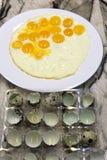 Uova rimescolate con il prosciutto e le verdure fotografia stock libera da diritti